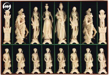 """Jeu d'Echecs """"Renaissance Bruni et Poli à la Cire"""" en Bois des Alpes Massif Sculpté Traditionnellement"""