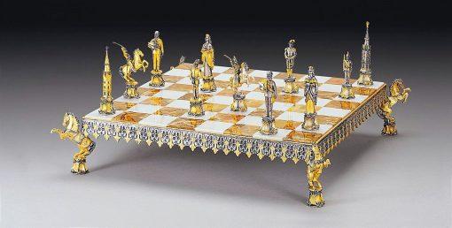 """Ensemble """"Empereur François-Joseph 1er d'Autriche et Sissi"""" Echiquier et Jeu d'Echecs en Bronze, Onyx et Or 24 Carats"""