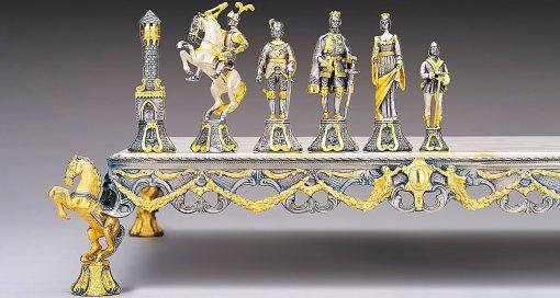 """Ensemble """"Renaissance Florentine XVe Siècle"""" Echiquier et Jeu d'Echecs en Bronze, Onyx et Or 24 Carats"""