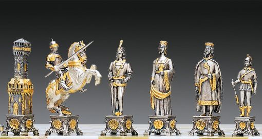 "Ensemble ""Soldats du Vatican vs Soldats de l'Etat"" Table d'Echiquier carrée et Jeu d'Echecs en Bronze, Onyx et Or 24 Carats"