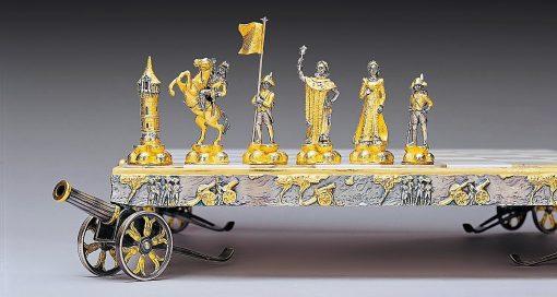 """Ensemble """"Napoléon Bonaparte Premier Empereur de France"""" Echiquier et Jeu d'Echecs en Bronze, Onyx et Or 24 Carats"""