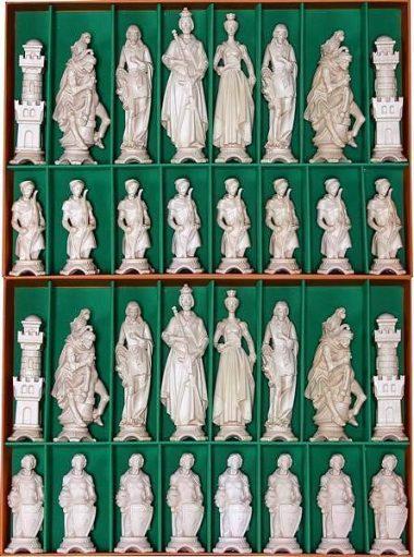 """Jeu d'Echecs """"Renaissance Bois Naturel"""" en Bois des Alpes Massif Sculpté Traditionnellement"""