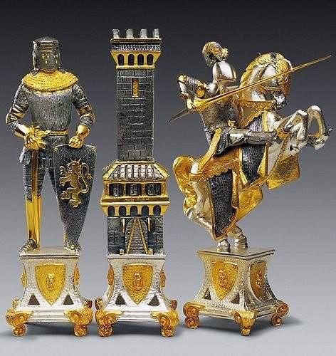 """Ensemble XL """"Mediéval"""" Table d'Echiquier carré et Jeu d'Echecs en Bronze, Onyx et Or 24 Carats"""